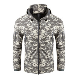 $enCountryForm.capitalKeyWord Australia - Hot Sale Mens Tactical Softshell Jacket Classical Design Army Green Outdoor Coat Camouflage Softshell Jacket Hunting Jacket