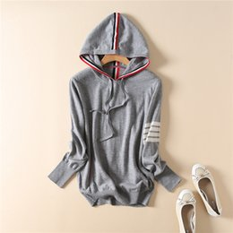 string computers UK - New winter women's clothing wholesale in Europe and the hooded draw string bump color striped sweater fleece F9285