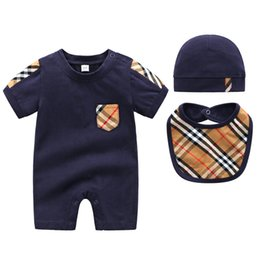 China Baby Boy Clothing Set Baby Boys Girls 3 Pcs Clothing Set Short Sleeve Baby Rompers Hat Newborn Boy Clothes cheap baby girl leopard shorts set suppliers