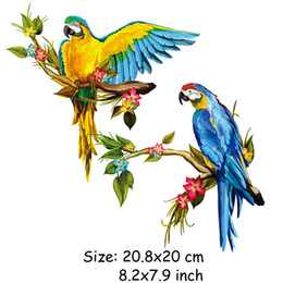 Discount decorative parrots - New Parrot Bird Heat Transfers Iron On Patches For Jeans T-shirt DIY Craft Sticker Applications For Clothes Decorative 4