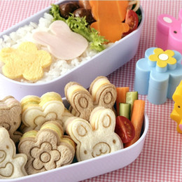 Wholesale Japanese Style Bread Cheese Meat Food Cutter Mold Sandwish Form Maker For Bento Lunch Box set