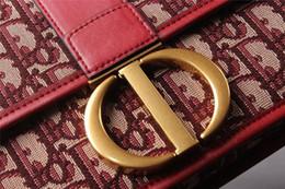$enCountryForm.capitalKeyWord Australia - 2019 Brand Fashion Bags Red Cowhide Clamshell Handbag Genuine Leather Bag Wide Shoulder Strap Crossbody Bag Handbags Purses Women Gh-3
