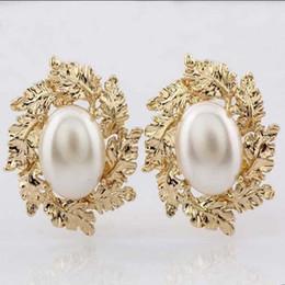 Vintage Mother Pearl UK - New Euramerican Vintage Pop Baroque Style Brand Jewelry Big pearl Golden leaves Earrings Hyperbole Pendientes Women Accessories AL-002