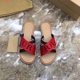 Wholesale New style on the market women fashion shoes Two tone splicing slippers comfortable daily style size