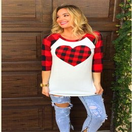 $enCountryForm.capitalKeyWord NZ - Valentine's Day Women T Shirts Love Heart Plaid Blouse Long Sleeve O-neck T-shirt Fashion Panel Raglan Shirt Pullover Ladies White Tops S-XL