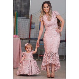 Pink lace maternity dresses online shopping - Blush Lace Mother And Daughter Dresses Evening Wear Jewel Neck Mermaid Prom Gowns With Cap Sleeves Two Pieces Formal Dres