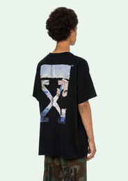 China A15 New high quality short-sleeved t-shirt Europe and America high street hot black and white oil painting graffiti arrow roun cheap oil shorts suppliers