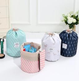 $enCountryForm.capitalKeyWord NZ - wholesale Fashion Barrel Women Cosmetic Bag Travel Organizer Bag Oxford Female Necessaire Toiletry Wash Bra Underwear Makeup