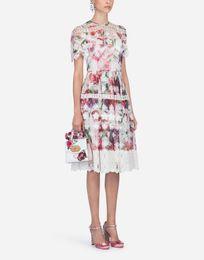 $enCountryForm.capitalKeyWord Australia - 419 2019 Brand Same Style Dress Flora Print Crew Neck Short Sleeve Knee Length Lace Luxury Prom Fashion Womens Clothes SH