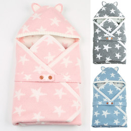 Infant Knits Australia - Baby Stars Pattern Swaddle Wrap Warm Hooded Newborn Infant Baby Sleeping Bag Infant Buttons Knit Swaddling Sleep blanket