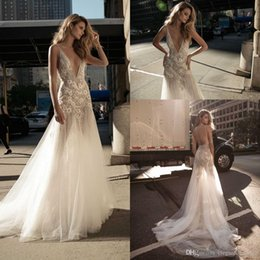 $enCountryForm.capitalKeyWord Australia - 2019 Sexy Deep V Neck Plunging Mermaid Wedding Dresses Handmade Flowers Lace Appliques Sleeveless Court Train Bridal Gowns Wedding Gowns