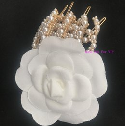 $enCountryForm.capitalKeyWord Australia - New arrival ~ pearl Fashion hair pin Classic fashion symbol for sweater brooch pearl decorate Luxury hair accessories C party gift