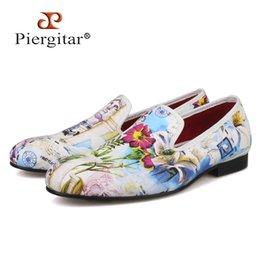 448d64874df Piergitar 2019 New style Colourful Flowers Prints white color men shoes  Fashion men smoking slipper Wedding Party men s loafers