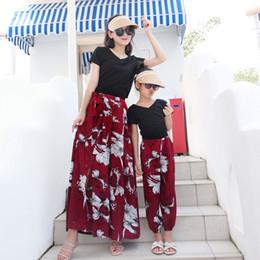 $enCountryForm.capitalKeyWord Australia - 2019 Summer Matching Family Outfits Mother Daughter T Shirt Pants Loose Casual Long Pants Dark Red Girl Black Top Tee