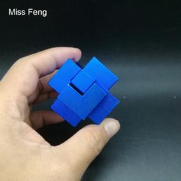 Vente en gros H354 / Bleu en alliage d'aluminium Métal 3D Puzzle Trois nouveautés jeu d'intelligence Triaxial Intelligence Interactive Puzzle Jouets