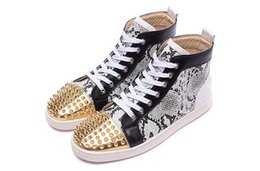 $enCountryForm.capitalKeyWord NZ - Original Box Red Bottom Sneakers For Mens Women Red Bottom Spike Shoes Fashion Luxury Designer Shoes High Top Leather Wedding Party Shoes