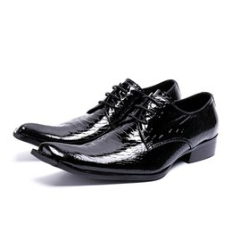 $enCountryForm.capitalKeyWord NZ - British Style Patent Leather Man Footwear Lace Up Male Wedding Men Dress Shoes Pointed Toe Party Men's Alligator Runway Shoes