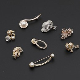 bohemian clothes for wholesale Australia - Creative Crystal rose flower hat pearl Brooch For Women Jewelry Dress Clothing pins Rhinestone Exquisite Suit Brooch For party Festival Gift