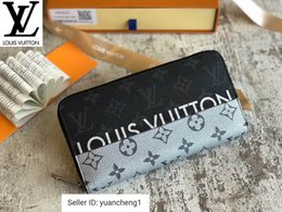 Spelling toyS online shopping - Black And Gray Spelled Silver Zippy Zipper Wallet Long Wallet Chain Wallets Compact Purse Clutches Evening Key
