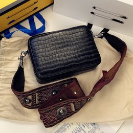 women camera bag NZ - Art2019 Woman Leather 2019 Xia Contracted Crocodile Grain Width Straps Camera Small Square Package Messenger Single Shoulder Bag