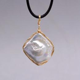 $enCountryForm.capitalKeyWord Australia - Vintage Fashion Baroque Handmade Pearl Pendant Natural Geometric Shape Pearl Pendant Cool Gift
