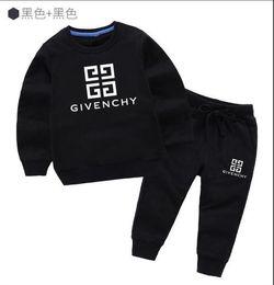 f264e6825 Nuevo clásico de lujo Logo Designer Baby camiseta Pantalones abrigo jacekt  hoodle suéter olde Suit niños moda infantil 2pcs algodón ropa S