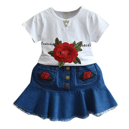 $enCountryForm.capitalKeyWord UK - Summer new baby girl girls flower embroidery short-sleeved T-shirt + denim bag skirt two suit casual fashion sweet clothes cute