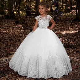 $enCountryForm.capitalKeyWord Australia - 2019 Wholesale Lovely White Girls Holy Communion Gowns Jewel Neck Cap Sleeves Buttons Back Beaded Bow Sash Kids Wedding Dresses