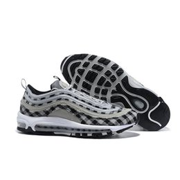 Silver Black Red Australia - Cheap QS Metallic Pack Running Shoes for Mens Sneakers Designer Men Trainers Silver Gold Black White Gym Red Sports Shoes
