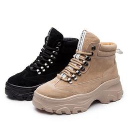 97333b88db5 Nuevos zapatos de plataforma para mujer Marca de moda Martin Boots Lady  chaussure Otoño calzado femenino Chica Botas blancas Tobillo 2019 # w9