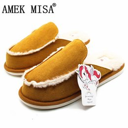 Wholesale British Style Couple Home Slippers Men and Women Winter Warm Faux Fur Suede Wool Indoor Non slip Solid Color House Office Shoes