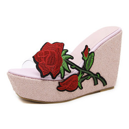 Silver Flower Wedges UK - Embroidery Rose Flower Transparent Wedges Slipper Women Casual Sequins Platform Shoes Fish-mouth Beach Slippers