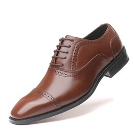 groom shoe brown men UK - brown dress men business shoes leather pointed fashion groom shoes designer shoes men mariage sapato oxford masculino scarpe eleganti uomo