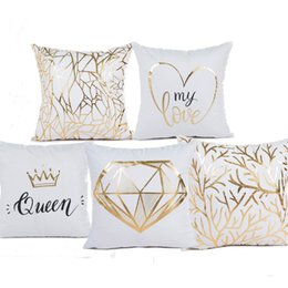 $enCountryForm.capitalKeyWord UK - Queen Crown LOVE Heart Growth Ring Bronzing Cushion Cover Pillow Covers 45X45cm Decorative Sofa Chair Pillow Case Room Decor