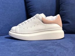 Denim Sneakers Girls Australia - Designer Luxury 3M Reflective white leather casual shoes girl women men black gold red fashion comfortable flat sneakers size 36-44