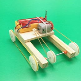 fantasy models NZ - technology small manufacturing electric pulley four-wheel drive car small invention manual assembly model school students