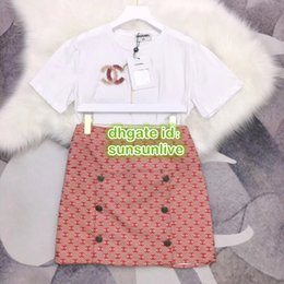 Wholesale Women Vintage Letter Jacquard Two Piece Dress Tops Tee T Shirt With Beads Mini Red Skirt The High End Girls Casual Runway T Shirt Sets