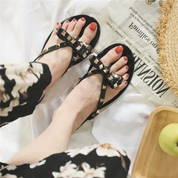 $enCountryForm.capitalKeyWord Australia - Fashion Luxury Designer Women Shoes Designer Sandals RivetPlatform Slides Sandal Girl Shoes Lady Flip Flops Studded High Quality Copy Hot