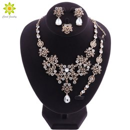 $enCountryForm.capitalKeyWord Australia - Dubai Jewelry Sets Flower Crystal Necklace Earrings Bracelet Ring Set for Women African Bridal Wedding Jewelry Sets