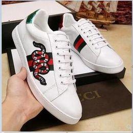 Qualidade superior Fora Vapores Todos Preto / Branco Air Running Shoes Homens Mulheres Sapatos de Desporto Designer de Tênis TN Runner Formadores a7 em Promoção