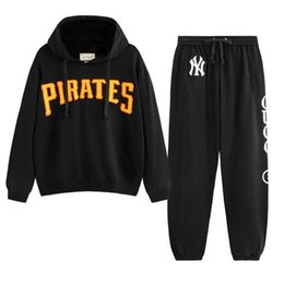 Zip sweatshirt jacket online shopping - Italy Designers Black Pirates patch Jersey Printed Mens Hoodies ZIP UP Jacket Coat Men Women Sweatshirts Pant Man Trousers BWK31