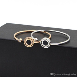Free Gifts Friends Australia - PB5 fashion rotatable whit stone and Rome figures round cakepla 18k gold plate bangle for friend gifts free shipping