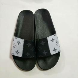 bcc11e0de ... personalizado impressão Homens mulheres sandálias de Luxo designer de  impressão de couro Macio de borracha dos homens das mulheres chinelo  tamanho 36-46