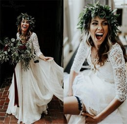 Covered baCk wedding dress line online shopping - Vestido de noiva Pieces Boho Wedding Dresses A Line Button Back Floor Length Lace Chiffon Bohemian Bridal Gown Cheap