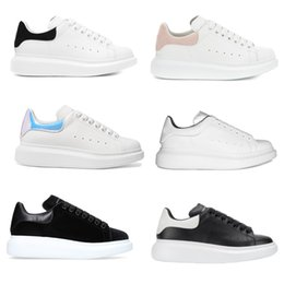 genuine white gold 2019 - 27 colors Designer Shoes Reflective White Platform Sneakers black suede 100% Leather White trainers for Men Women Flat C