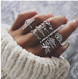 $enCountryForm.capitalKeyWord Australia - Bee Charm Midi Finger Knuckle Ring Set Cross Dove Bird Leaves Ring Gift Women Boho Party Cluster Wing Crown Rings