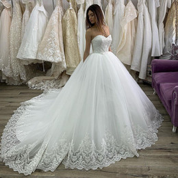 Tie Up Wedding Dress Train Australia - Vintage Sweetheart Ball Gown Wedding Dresses Bow Tie Sashes Lace Appliques Layer Skirt Country Bridal Dress Tulle Long Wedding Gowns