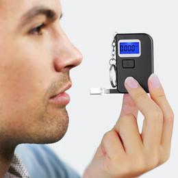 2018 Moda yüksek doğruluk mini Alkol Tester, breathalyzer, alcometer, Alcotest sürücü güvenliği Ücretsiz Nakliye hatırlatmak indirimde
