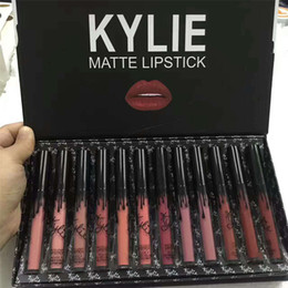 Großhandel Kylie LIPGLOSS Burthay12 Farben, flüssiger, matter Lippenstift, Keri-Kosmetik, 12 neue Kylie Black Butterfly Lipgloss-Sets