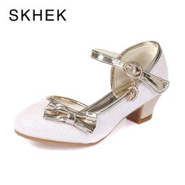 closed toe sandals UK - SKHEK Girls Sandals Summer Butterfly Knot Kids Shoes For Girls Glitter Closed Toe Princess Party Wedding Infants Dress Shoes